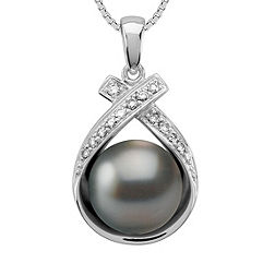 9mm Cultured Tahitian Pearl and Round Diamond Pendant (18)