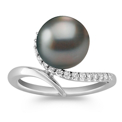 10mm Cultured Tahitian Pearl and Diamond Ring