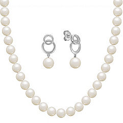 Freshwater Pearl Strand and Earring Two-Piece Set in Sterling Silver (18 in.)