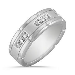Engraved Round Diamond Ring with Pavé Setting