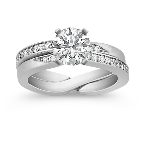 Round Diamond Wedding Set with Pavé Setting