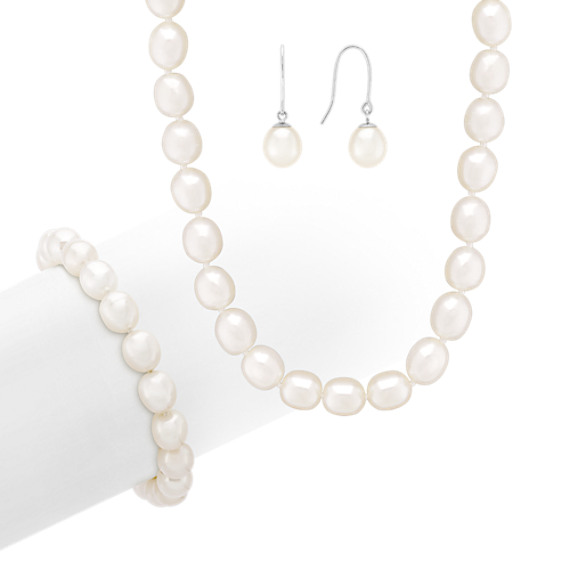 8mm Cultured Freshwater Pearl Strand, Bracelet, and Earring Three-Piece Set (18)