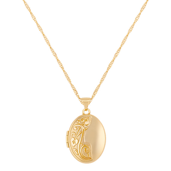 Oval Locket in 14k Yellow Gold (18)