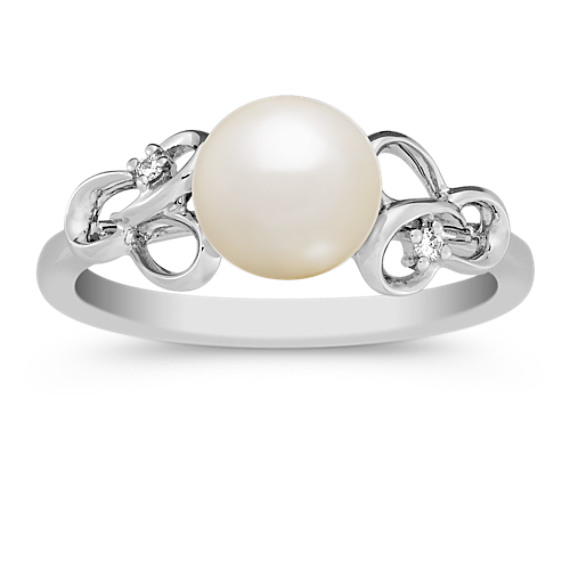 7mm Cultured Freshwater Pearl and Round Diamond Ring
