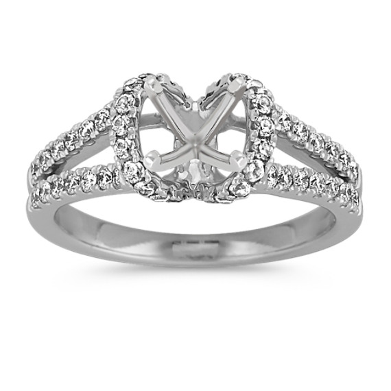 Diamond Engagement Ring with Pavé Setting in Platinum