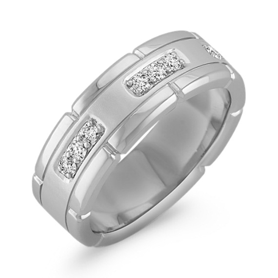 Engraved Round Diamond Ring with Pavé Setting (8mm)