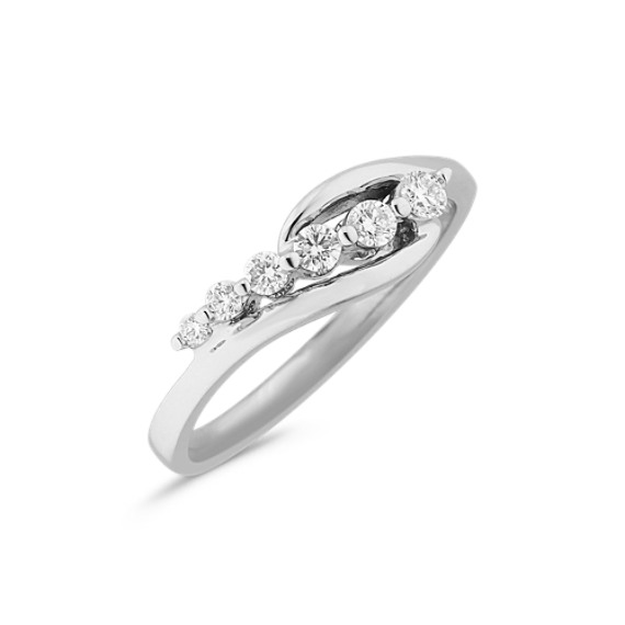 Round Diamond Journey Ring in 14k White Gold
