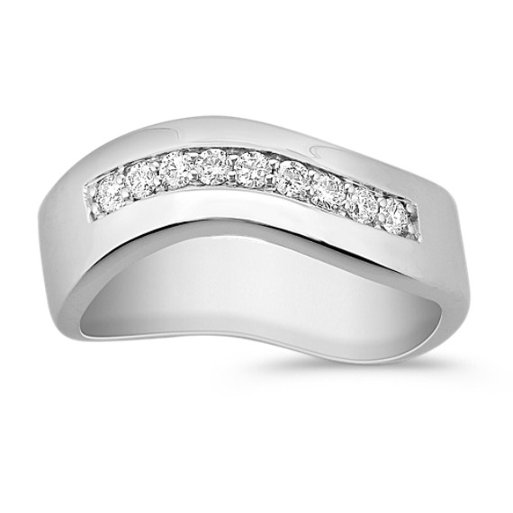 Round Diamond Wave Ring
