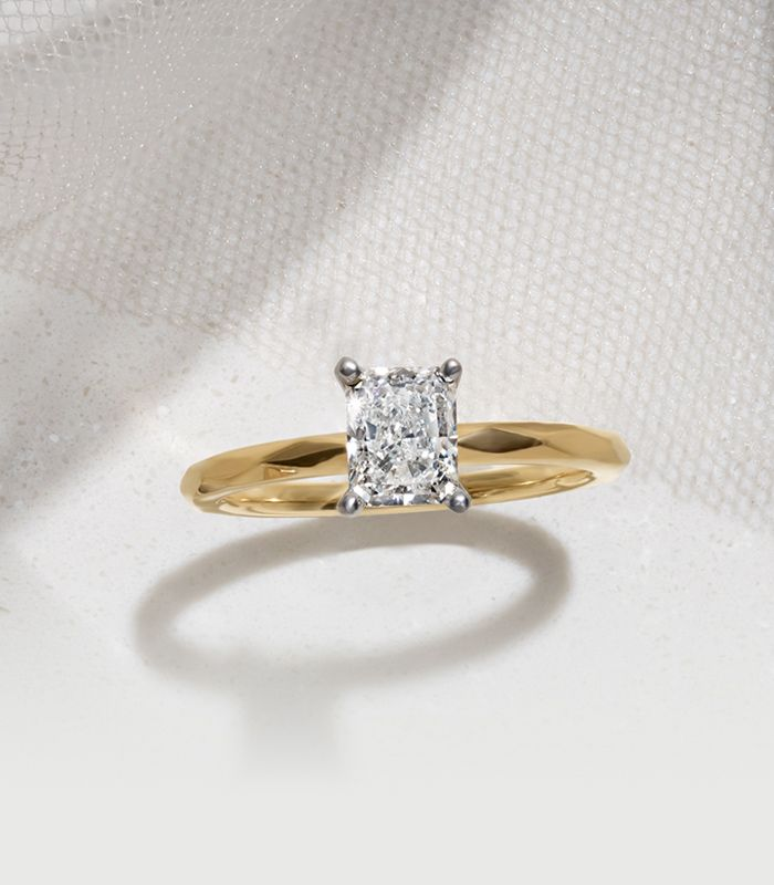 Top View of Solitaire Engagement Ring