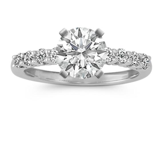 Classic Round Diamond Engagement Ring in Platinum