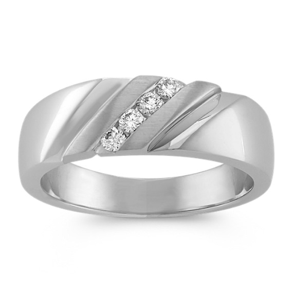 Diagonal Round Diamond Ring with Channel-Setting