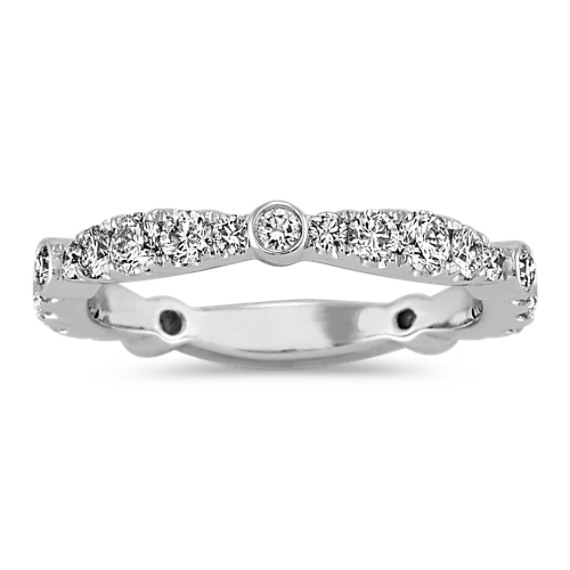 Graduated Diamond Wedding Band in 14k White Gold