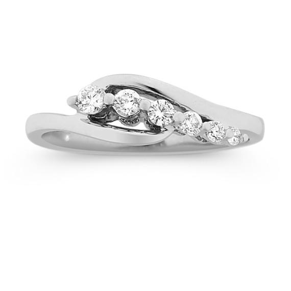 Round Diamond Journey Ring in 14k White Gold
