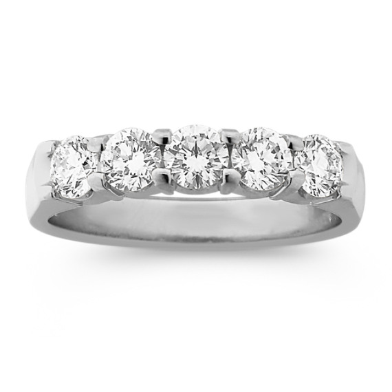 Round Diamond Wedding Band in Platinum