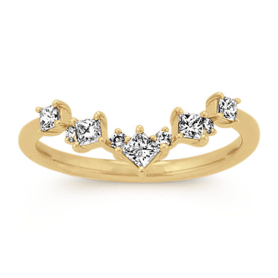 Princess Cut & Round Diamond V Ring in Yellow Gold